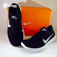 Giày tập gym Nike màu đen